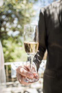 gegraveerde champagneglazen